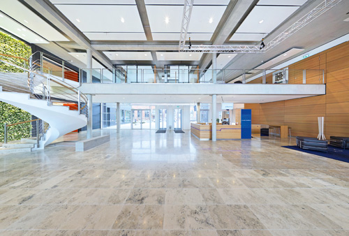 Tullnau Tagungspark - Conferences, events - Conference rooms in Nuremberg - Conference rooms directly at the Wöhrder See - equipped with state-of-the-art technology, meeting rooms, seminar rooms, seminars, event rooms, event location, B2B events, catering - Tagungsraum Atrium